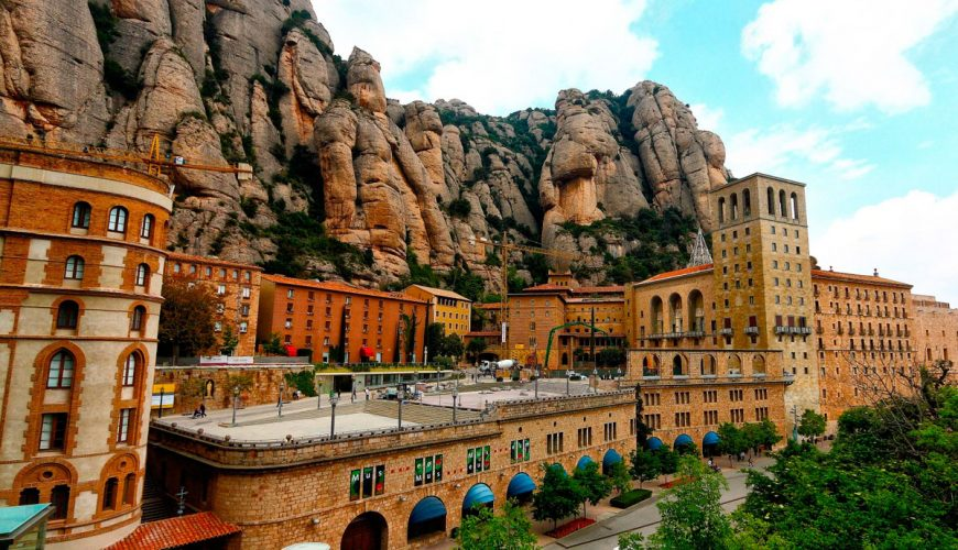 Excursion to Montserrat from Seolla Travel