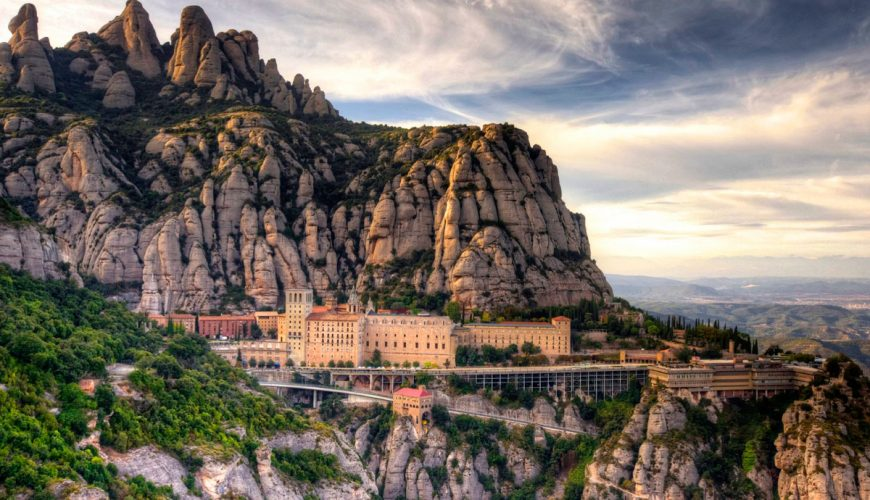 Excursion to Montserrat + Barcelona from Seolla Travel